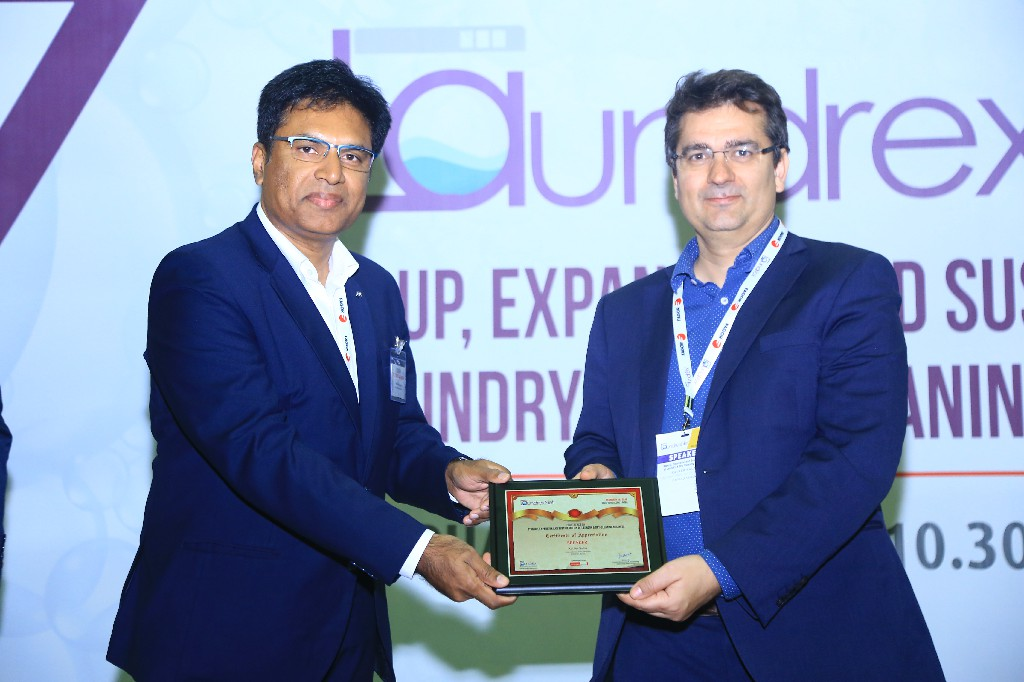 Srinivas-Rao-CEO-Klen-laundroworks-Bangalore-Xavier-Salas-International-Sales-Director-Girbau-Spain-2